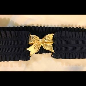 Lilly Pulitzer Navy Ruched Elastic Gold Bow Belt